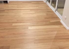 quickstep-readyflor-1-strip-blackbutt-matt-6
