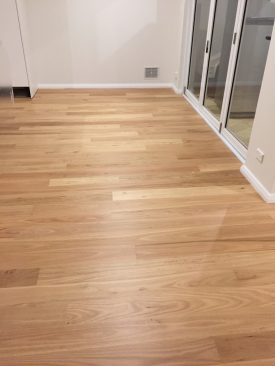 quickstep-readyflor-1-strip-blackbutt-matt-6